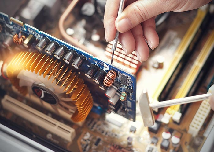 serwis-i-naprawa-komputerów